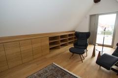 Projekt-Nilkheim_300_Eiche_geoelt_Bibliothek_Wellnessbereich_Umkleide_Bad_Wendeltreppe_Kueche_Orangerie