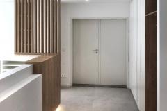 Praxiseinrichtung_Schreiner_Coian_individuell_Empfang_Einbaumöbel_Beleuchtung_Eiche_weiß_modern_design-6
