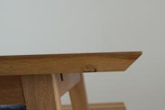 Tisch_Esstisch_Mittelpunkt_Bank_individuell_design_ausgefallen_Unikat_Ästhetisch_Cognac_Eiche_geölt_auf Maß_Maßtisch_Ansteckplatte