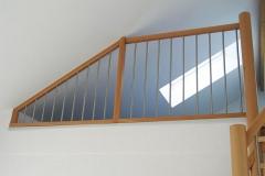 Treppentraum_410_Raumspartreppe_Buche_massiv_geoelt_S-Form_Galeriezugang