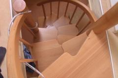 Treppentraum_Raumspartreppe_Buche_massiv_geoelt_S-Form_Galeriezugang_Ruck-Zuck-Treppe_Sambatreppe_03