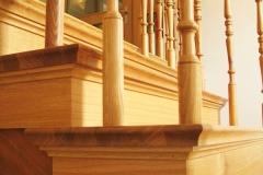 Treppenrenovierung_150_Gelaender_Eiche_lackieren_alt_abschleifen_