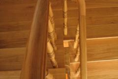 Treppenrenovierung_160_Gelaender_Eiche_lackieren_alt_abschleifen_