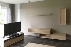 Wohnzimmer_Eiche_massiv_individuell_kubisch_design_außergewöhnlich_schlicht_Schreiner_Aschaffenburg (1)